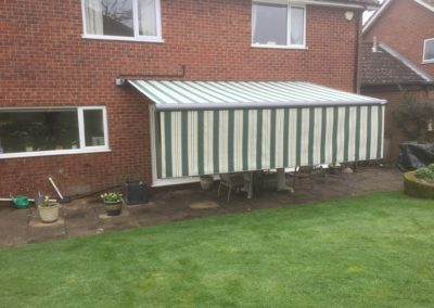 Electric variable valance awning