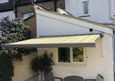 Patio sun awning